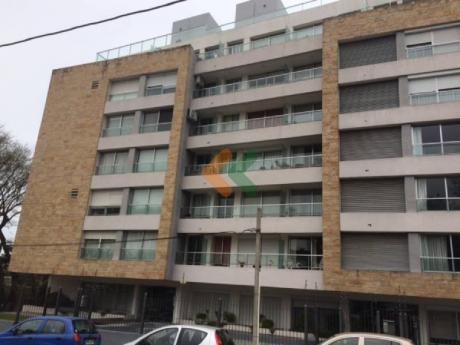Apartamento De 1 Dormitorio En Malvin. Gran Oportunidad! - Ref: 3867