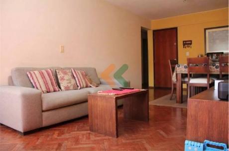 Apartamento En Muy Buena Ubicación A Una Cuadra De Ellauri - Ref: 5021