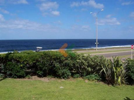 Espectacular Ubicacion, En Primera Linea Frente Al Mar Con Inmejorable Vista. - Ref: 59