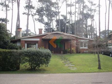 Casa Ubicada En Una Zona San Rafael, Pronta Para Ingresar.
