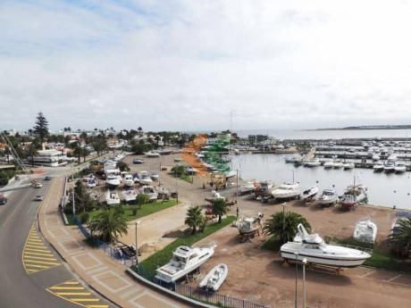 Espectacular Vista Al Puerto