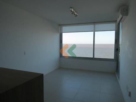 Apartamento En Alquiler En Malvin Con Excelentes Vistas Al Mar