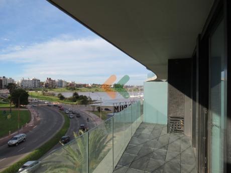 Apartamento En Forum Con Las Mejores Vistas De Montevideo!