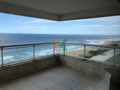 Increible Apartamento Con Vista Al Mar De 3 Dormitorios