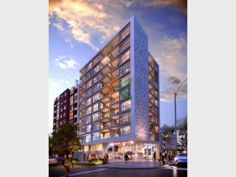 Excelente Apartamento En Tres Cruces. Edificio Ventura Tres Cruces II