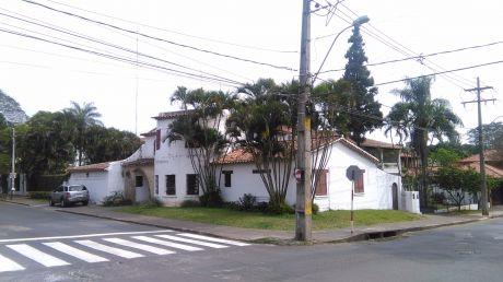 Casa En Barrio Herrera.