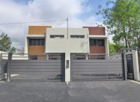Oferto Duplex Con Piscina Zona Garden Club Bo. Residencial Usd. 120.000 !!!