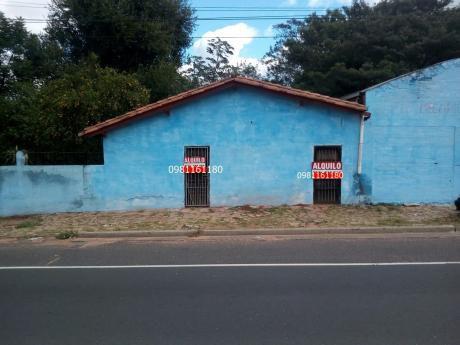 Deposito Con Amplio Patio Y Vivienda Sobre Acceso Sur.
