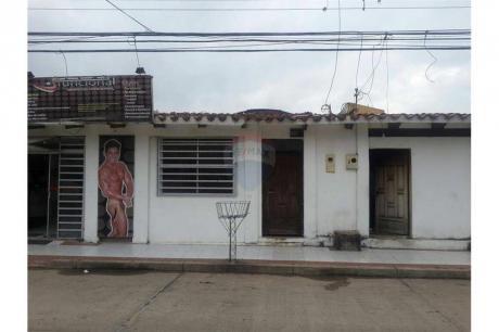 Casa Con Espacio Comercial