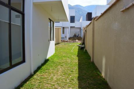 En Alquiler Hermosa Casa A Estrenar Trojes Tiquipaya