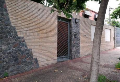Vendo Amplia Casa En Barrio Jara