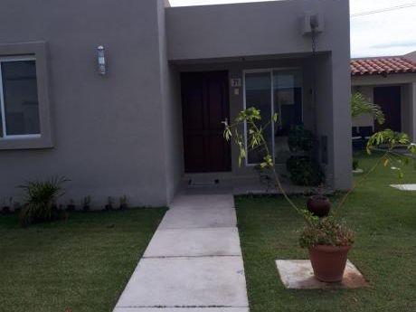 Hermosa Casa En Venta De Promoción!!