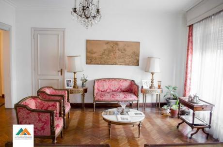 Apartamento De Excelente Categoría, Esquina Muy Soleada