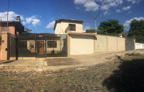 Casa En Lambare Con Dos Terrenos, Tinglado Y Oficina