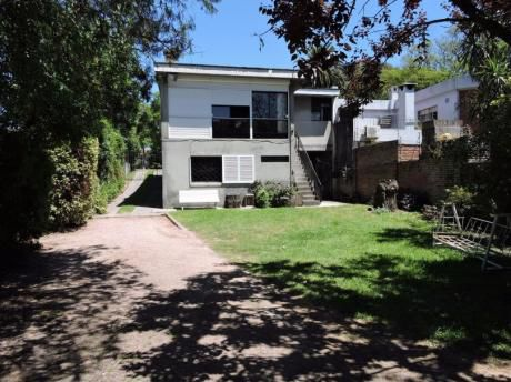 Excelente Casa En Corazón Del Prado - 4 Dorm 3 Baños - Fondo, Jardín, Gje