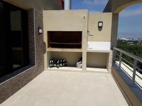 Espectacular Duplex Con Terraxa Y Parrillero A Una Cuadra Del Shopping De 3xxx