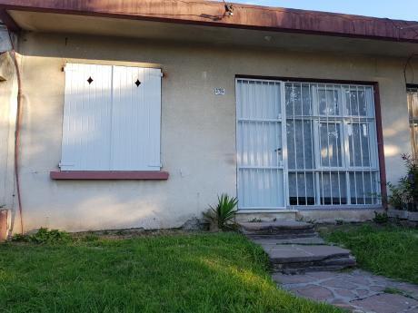 Casa De 2 Dormitorios En Union Serrato Y Tunez
