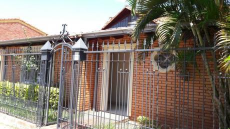 Hermosa Casa  Zona El Pueblo, Lambare, República Argentina