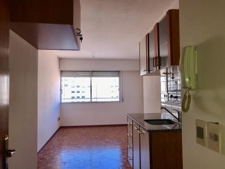 Alquiler Apartamento Pocitos Montevideo1 Dormitorio Garaje.