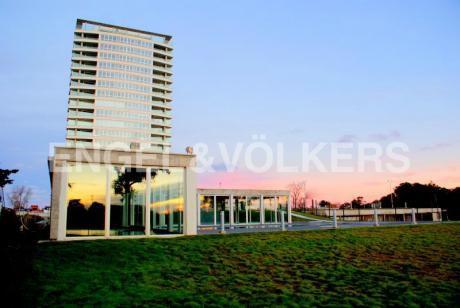 Apartamento En Venta En Montevideo – Carrasco