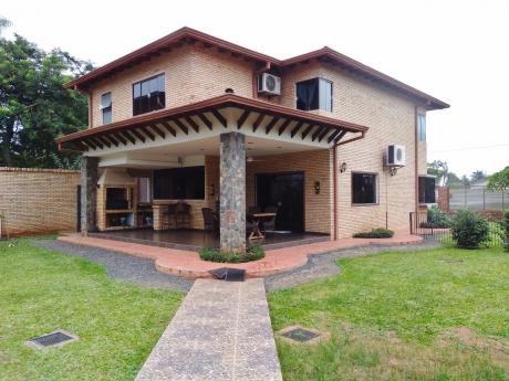 Alquilo Casa En El Barrio Loma Merlo De Luque A Cuadras De Rakiura