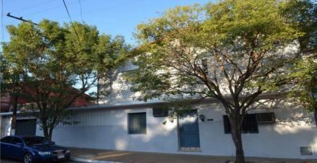 Tierra Inmobiliaria Vente  -  Hermosa Y Amplia Casa En Barrio Colon.