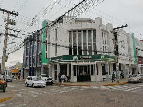 Edificio Centrico A 1 Cuadra De La Plaza, Entrada Sur