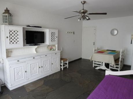 Precioso Apartamento Reciclado Ubicado En Zona Mansa.