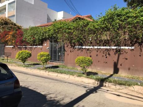 Amplia Y Hermosa Casa En Venta En Equipetrol