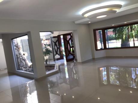 Tierra Inmobiliaria - Magnífica Residencia En Excelente Zona! Barrio Mme Lynch