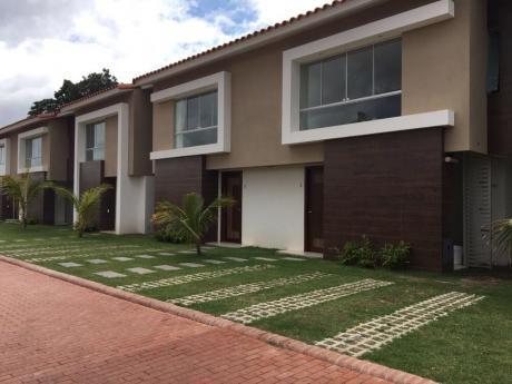 Casa En Alquiler Av. PiraÍ 6to Anillo Condominio Palma Canaria