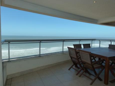 Departamento En Primera Fila De Playa Brava. Torre Premium
