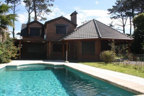 Muy Linda Casa En Excelente Ubicación En La Mansa!!