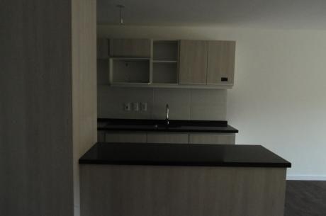 Apartamento De 2 Dorm. En Convencion Y Soriano (live Soho), Barrio Sur En Montevideo