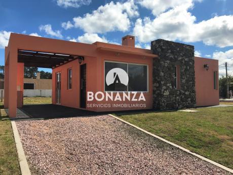 Oportunidad, Casa A Estrenar De 2 Dormitorios Y 2 Baños 1, Piriápolis, Maldonado