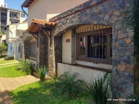 Residencia 3 Dorm. - Zona Hiperseis (CóD. 699)