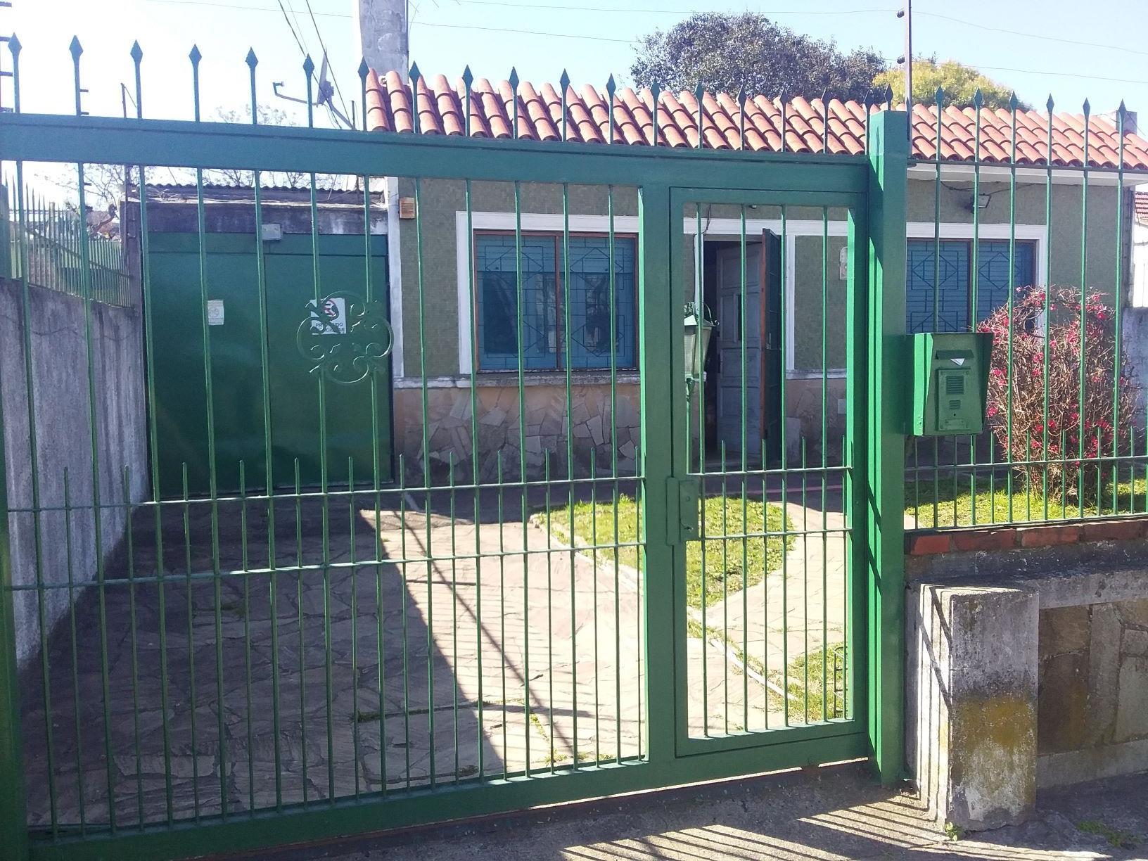 Padrón Único, Dos Dormitorios Jardín Y Fondo.