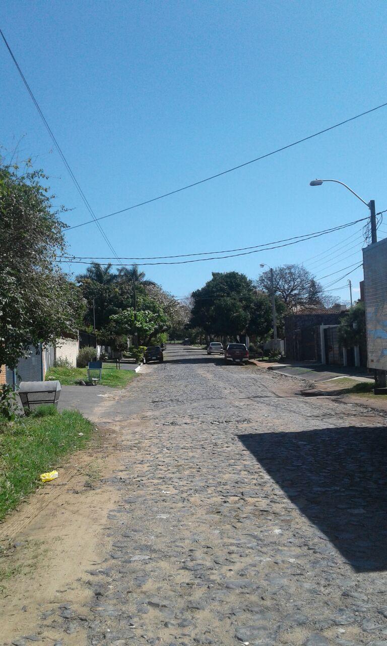 Vendo Terreno En Mburucuya 720 Metros  Con Salida A 2 Calles