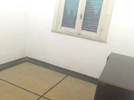 Ramon Anador Y Anzani, 2 Dorm Pb Interior, En Cuenta Con Patio, Gastos Bajos!