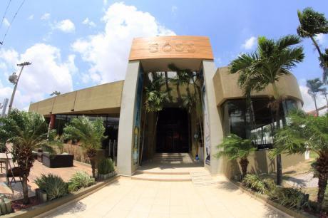 Edificio Comercial En Av La Salle (canal Isuto)