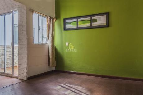 Apartamento De Dos Dormitorios En Brazo Oriental