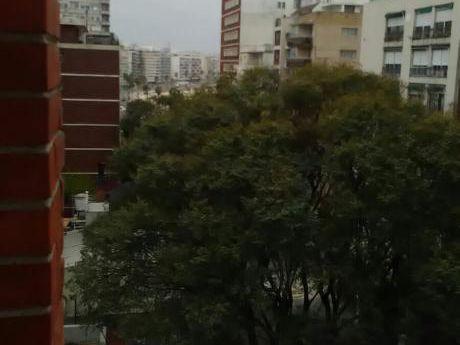 Espectacular Apartamento A Pasos De Rambla Con Barbacoa De Uso Exlusivo!!!