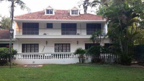Vendo Espectacular Residencia De 1250 M2 En Villa Morra, Sobre Lillo