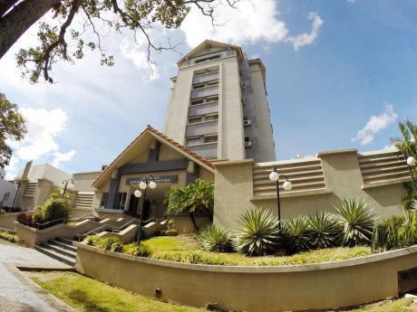 Departamento En Venta Zona Sur, Condominio Monseñor Santiestevan