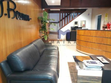 Oficinas En El Barrio Mariscal Lopez