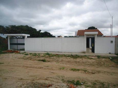 Moreno Bienes Raices Vende Amplia Casa