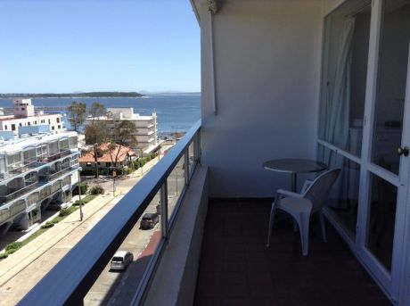 Muy Lindo Monoambiente Transformado A 1 Dormitorio Vista Lateral Al Mar