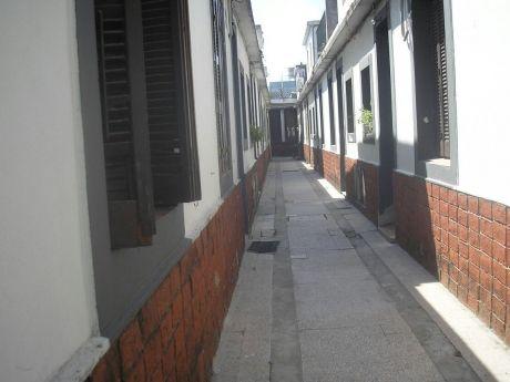 Dos Apartamentos Con Misma Entrada
