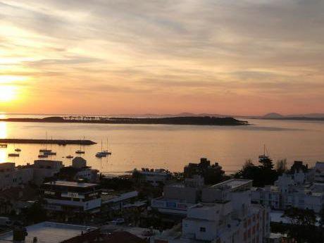 La Mejor Ubicación Y Vista De Punta Del Este - A Nuevo