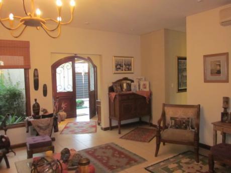Se Vende Casa De 3 Dormitorios, En Zona Norte. Fdo. De La Mora.